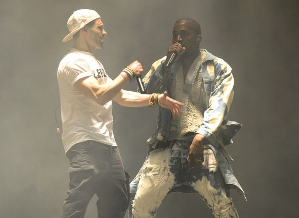 showbiz-kanye-lee-nelson-glastonbury