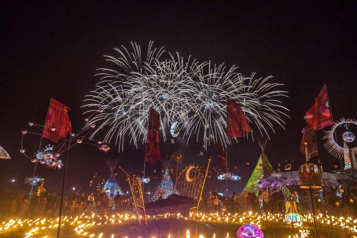 tom-martin-fireworks-finale-e12f9d2e-7877-11e6-9ec6-aab69d8b7bb7-web