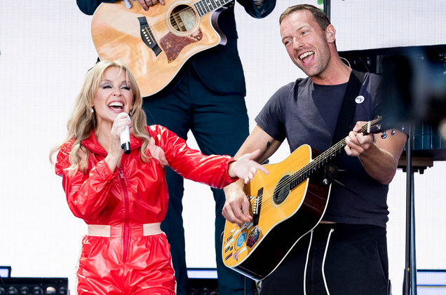 kylie-minogue-chris-martin-glastonbury-2019-billboard-u-1548